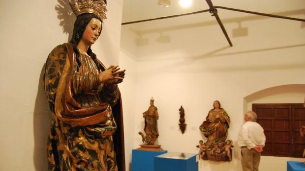 En la muestra pueden verse piezas de Duque Cornejo, Hita del Castillo o Juan Bautista de Amiens