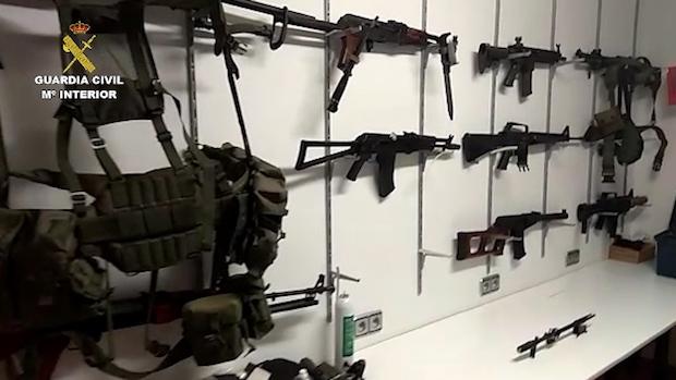 Armamento incautado por la Guardia Civil en la operación / ABC