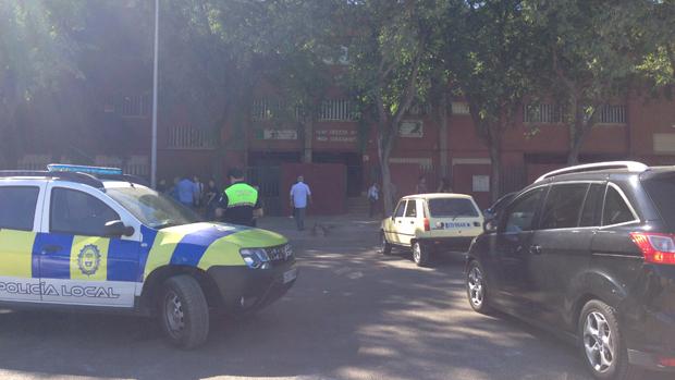 Policía Local a las puertas de un instituto