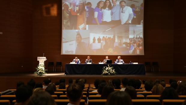 Jornada de inauguración de la Escuela de Postgrado de la Loyola