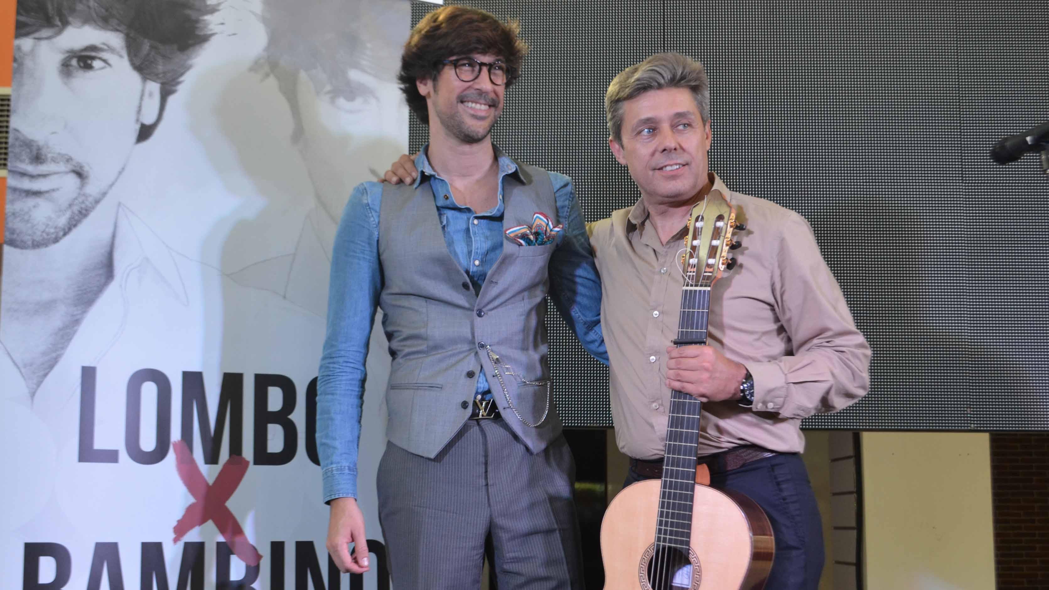 Manuel Lombo junto al guitarrista y productor Pedro Sierra