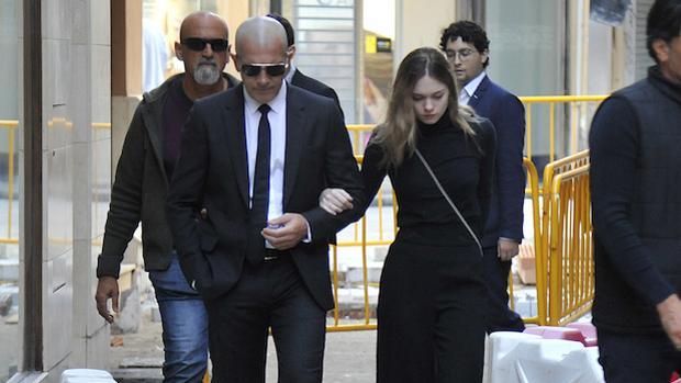 Antonio Banderas y Stella del Carmen asisten al funeral de Doña Ana