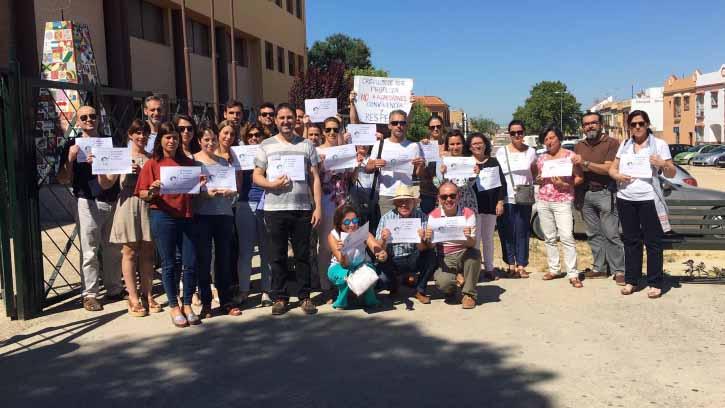 Los profesores del instituto utreranos se manifestaron al conocer el caso