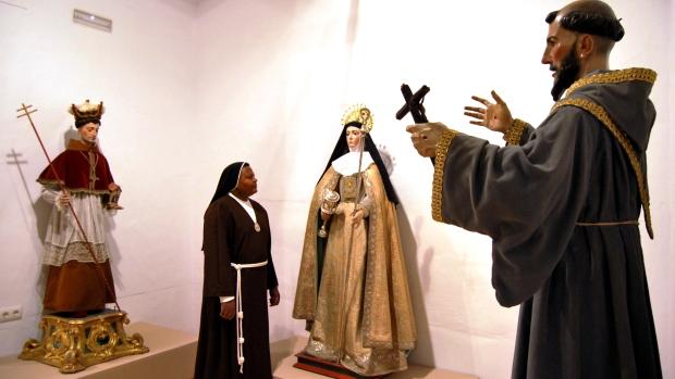 Las clarisas de Carmona atesoran un intersante patrimonio, parte del cual sacan estos días a la luz