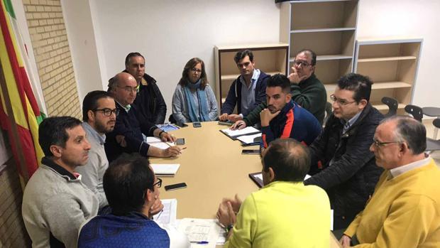 Reunión de los responsables de las escuelas deportivas con el concejal