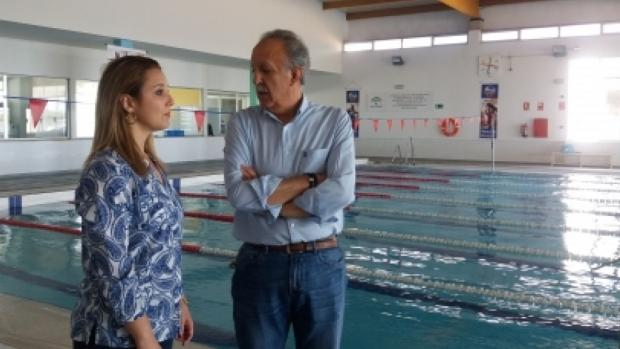 La alcaldesa de Alcalá, Ana Isabel Jiménez, y el nuevo portavoz Gómez Menacho