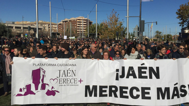 Parados y estudiantes han portado la pancarta principal de la manifestación
