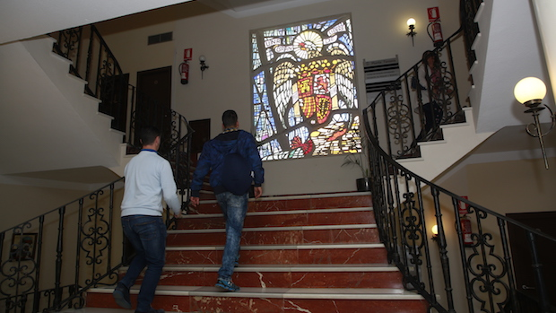 Vidriera retirada en el Ayuntamiento de Marbella