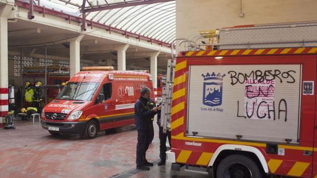 Uno de los vehículos en el parque central de Málaga
