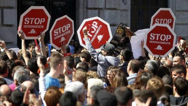 La plataforma Stop Desahucios ha colaborado con la Universidad de Granada