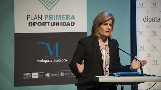 Fátima Báñez en la entrega de diplomas de los planes de primera oportunidad
