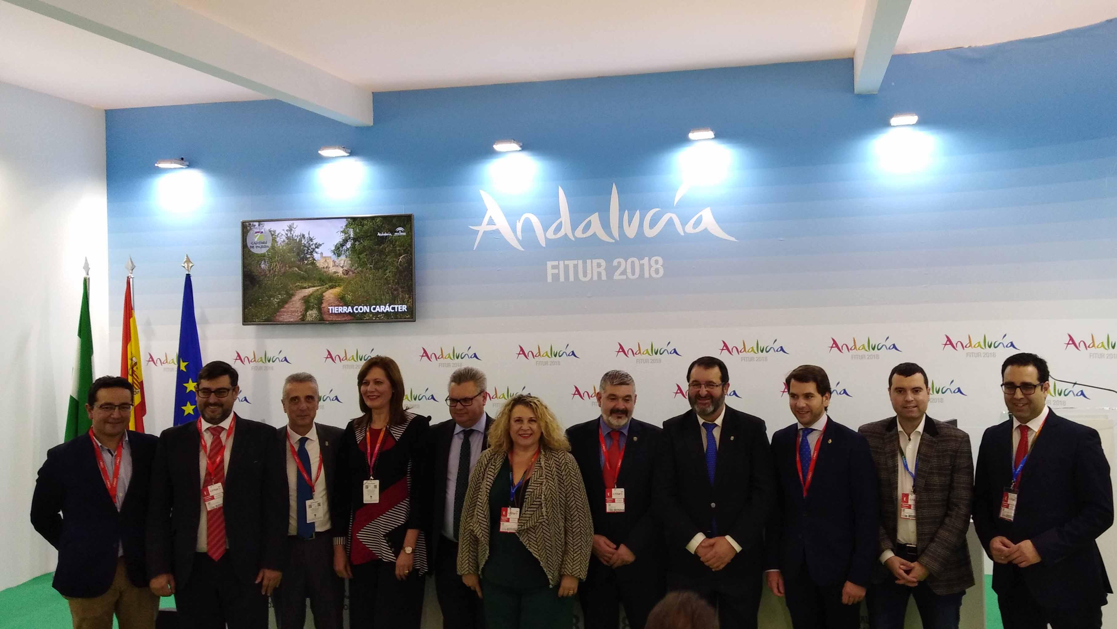 Los alcaldes de los municipios participantes en la ruta en la presentación en Fitur