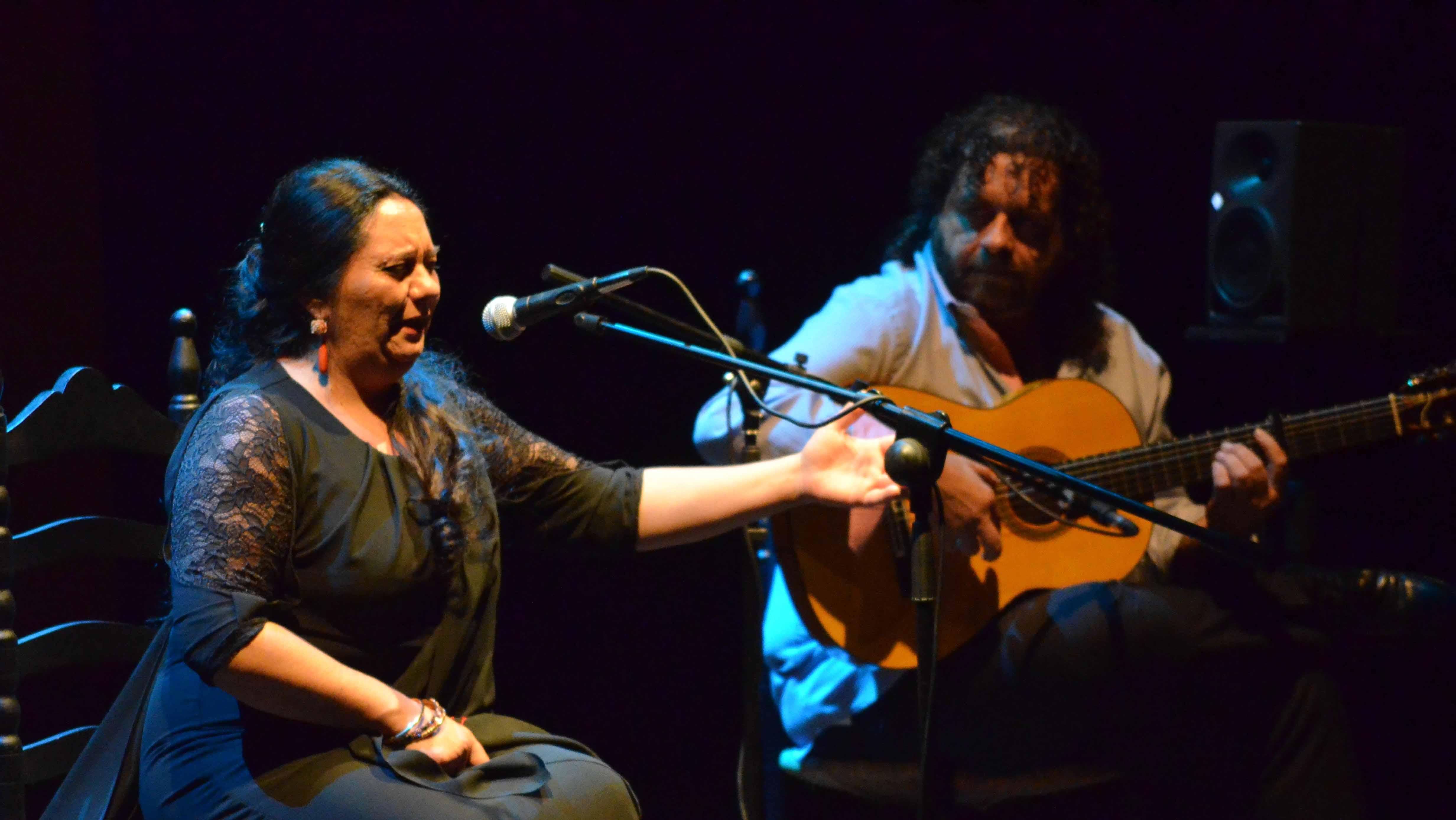 La cantaora utrerana Mari Peña ha recogido su arte en su primer disco