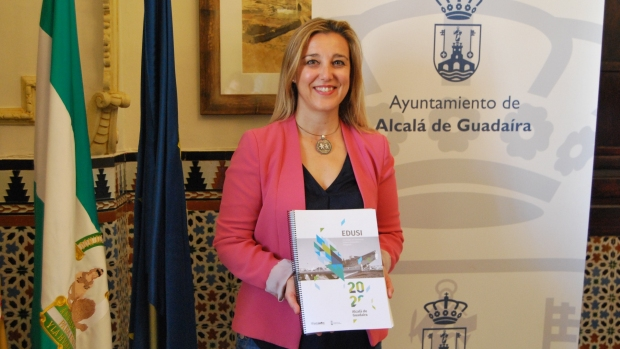 La alcaldesa de Alcalá, Ana Isabel Jiménez, es uno de los regidores que han conseguido los fondos para su localidad