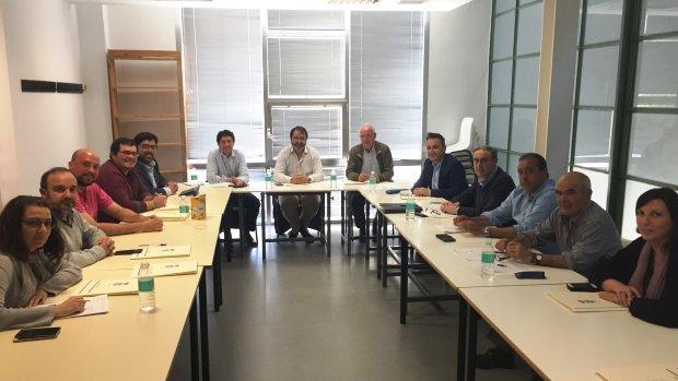 Los alcaldes han mantenido un primer encuentro en Carmona