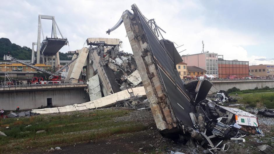 Nuevo vídeo del momento en el que se derrumba el puente de Génova