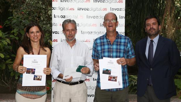 El director de LAVOZ ha entregado este lunes los premios del 'FotoCádiz'.
