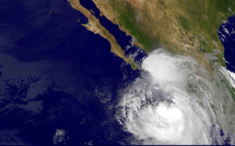 Vista desde el espacio de huracán Newton
