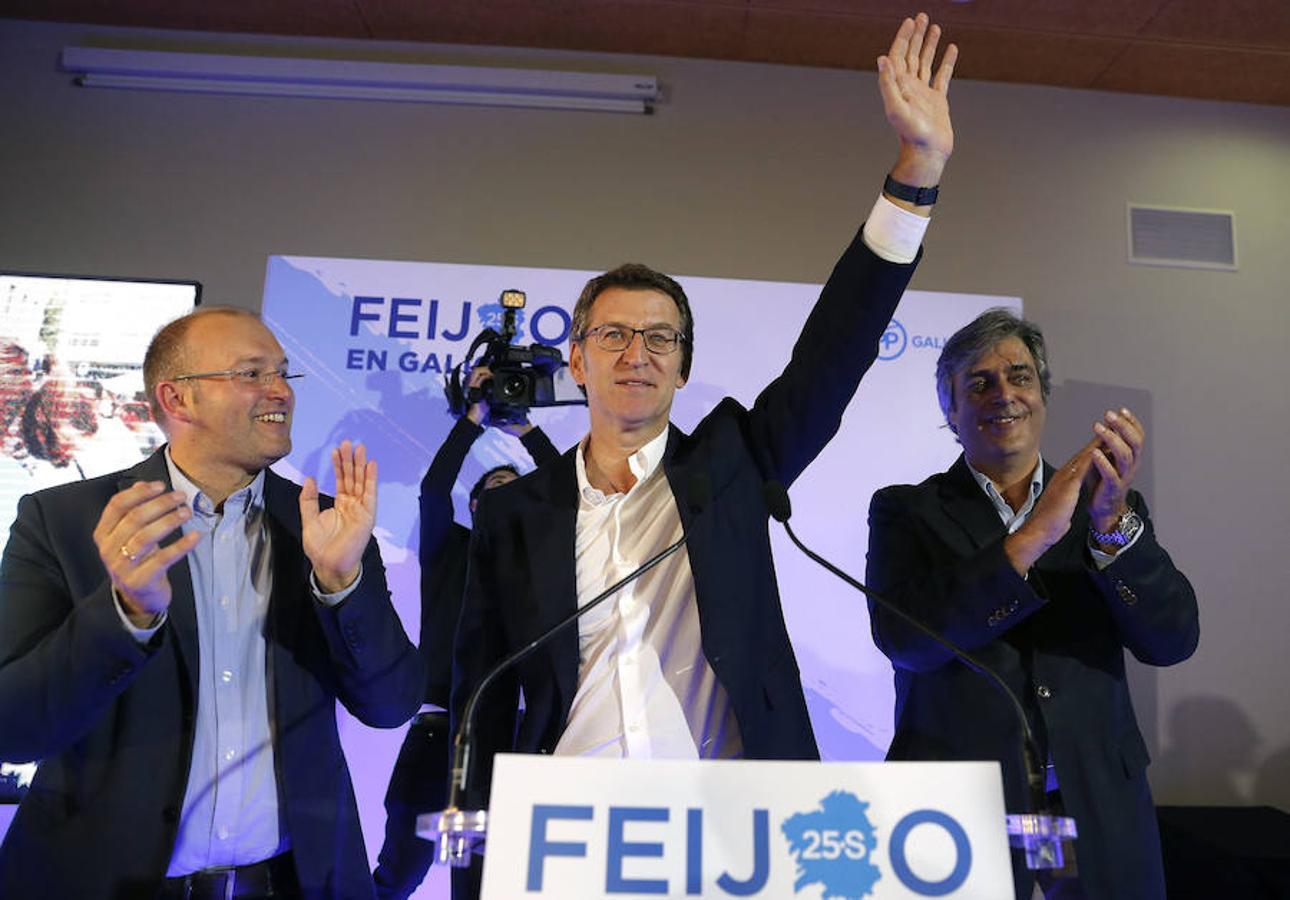 Feijóo celebra la mayoría absoluta