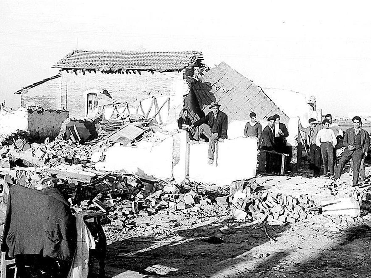 Derribo de viviendas del Vacie en 1960