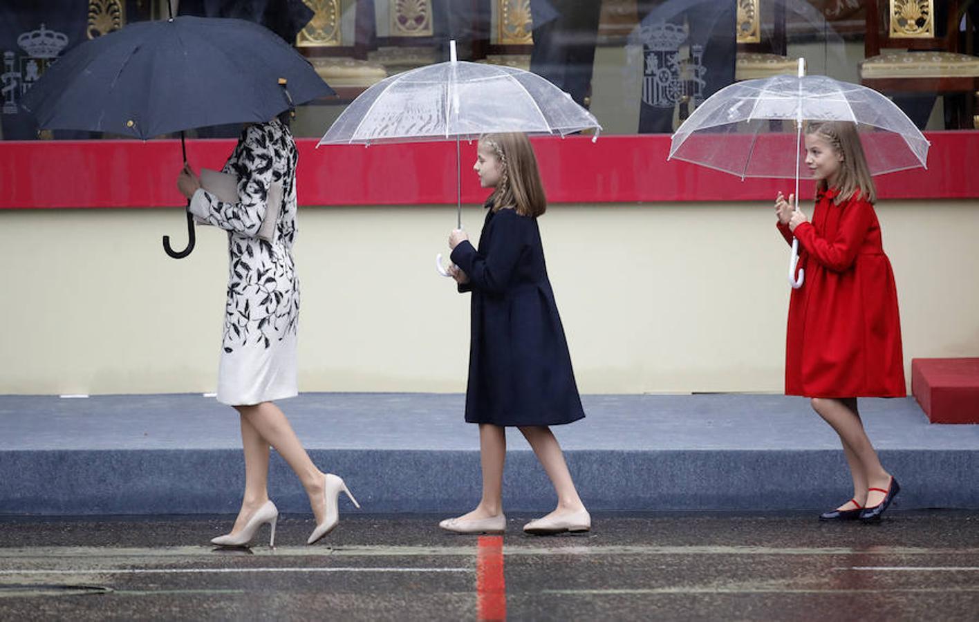 La Reina y las Infantas, al término del desfile
