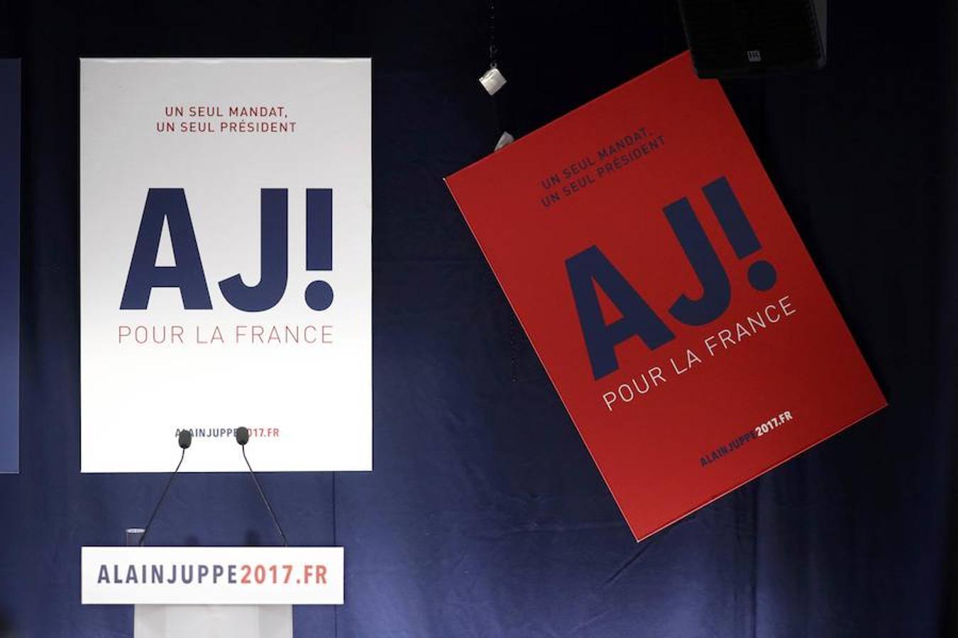 Carteles de apoyo al candidato a liderar la derecha francesa Alain Juppé.