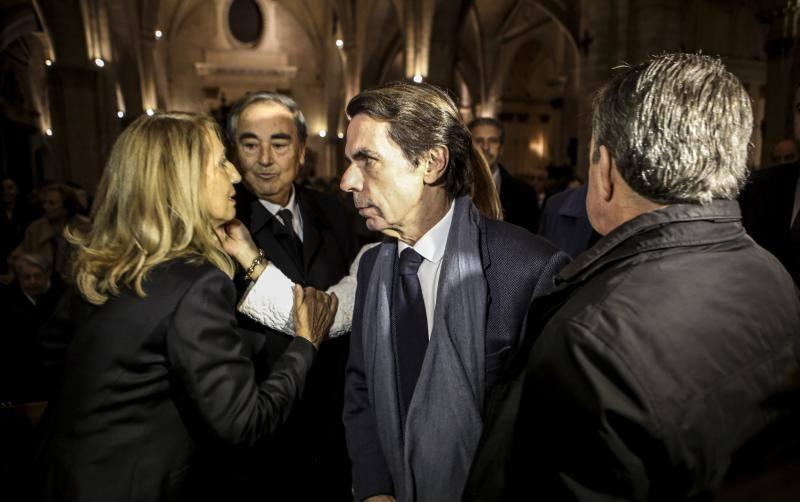 José María Aznar ha acudido a la misa funeral por la exalcaldesa de Valencia Rita Barberá, oficiada por el cardenal arzobispo Antonio Cañizares, hoy en la catedral de Valencia