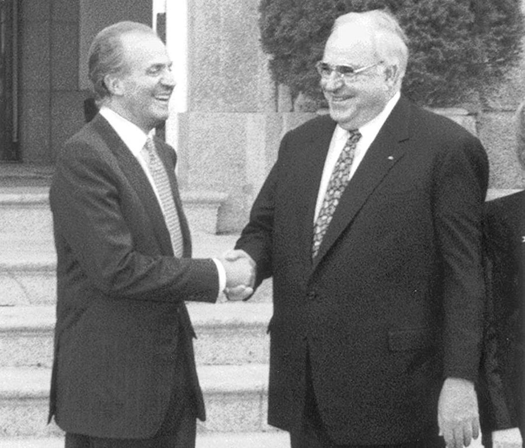 ¿Cuánto mide el Rey Juan Carlos I? - Altura - Real height Muere-helmut-kohl-k3LH--1055x900@abc