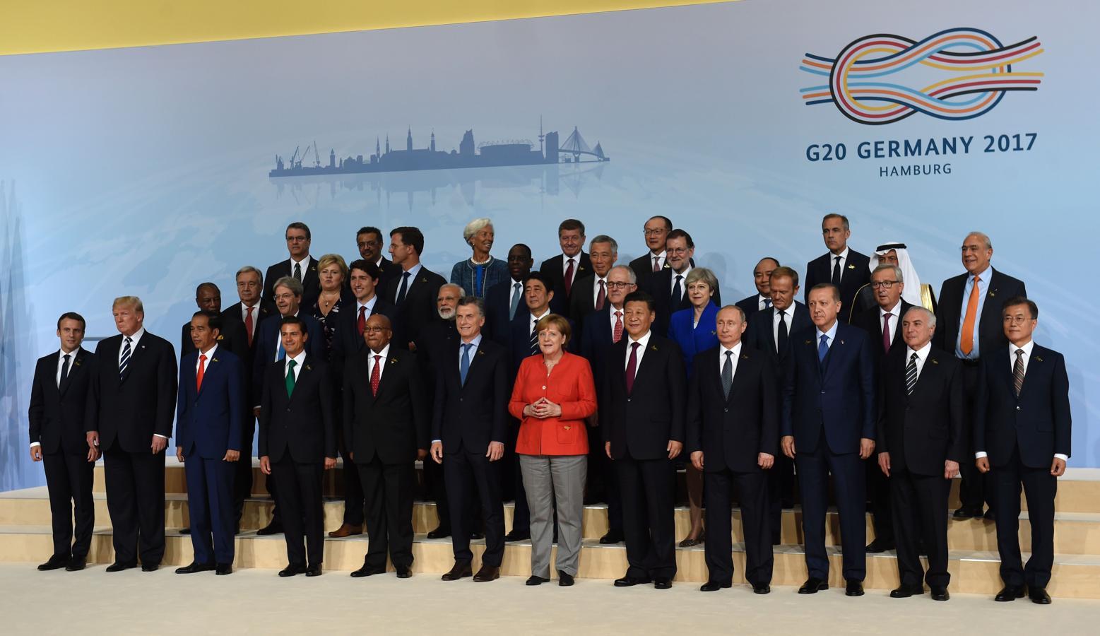 Fotografía grupal de la cumbre del G-20 en la que aparecen todos los líderes internacionales