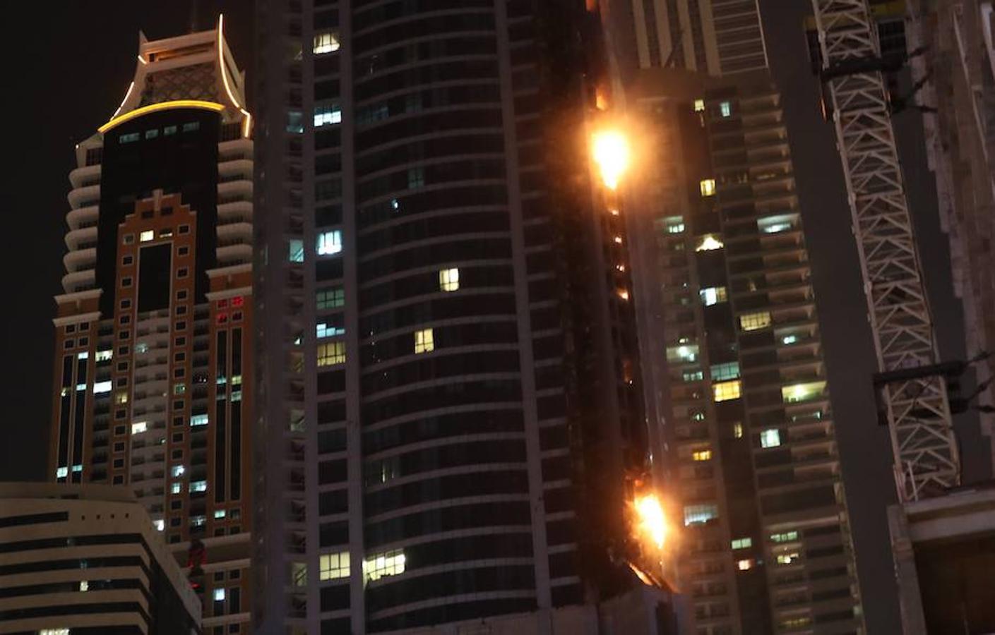 Incendio en la torre «La Antorcha» de Dubái