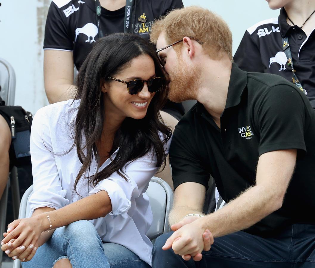 Ambos se mostraron relajados, intercambiando comentarios entre ellos e, incluso, girándose para hablar con los espectadores más cercanos