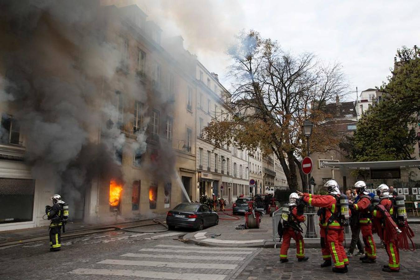 Un incendio ha devastado la librería «La hune», una de las más conocidas de París