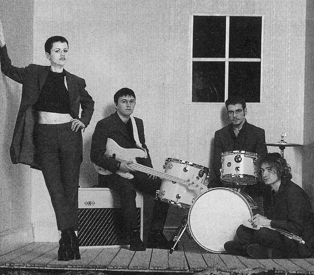 La vida de Dolores O'Riordan, vocalista de «The Cranberries», en imágenes