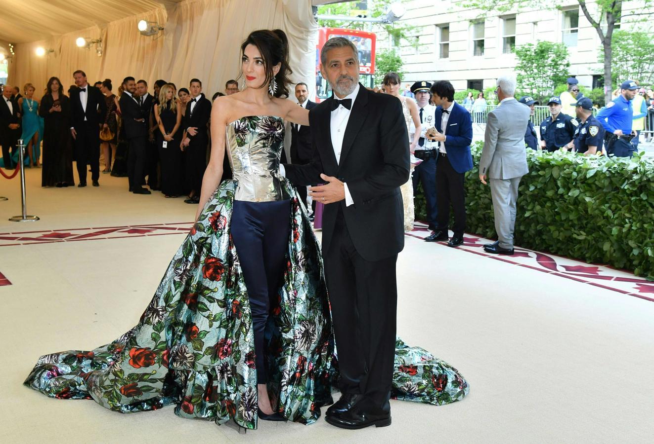 George Clooney, junto a su esposa Amal Clooney