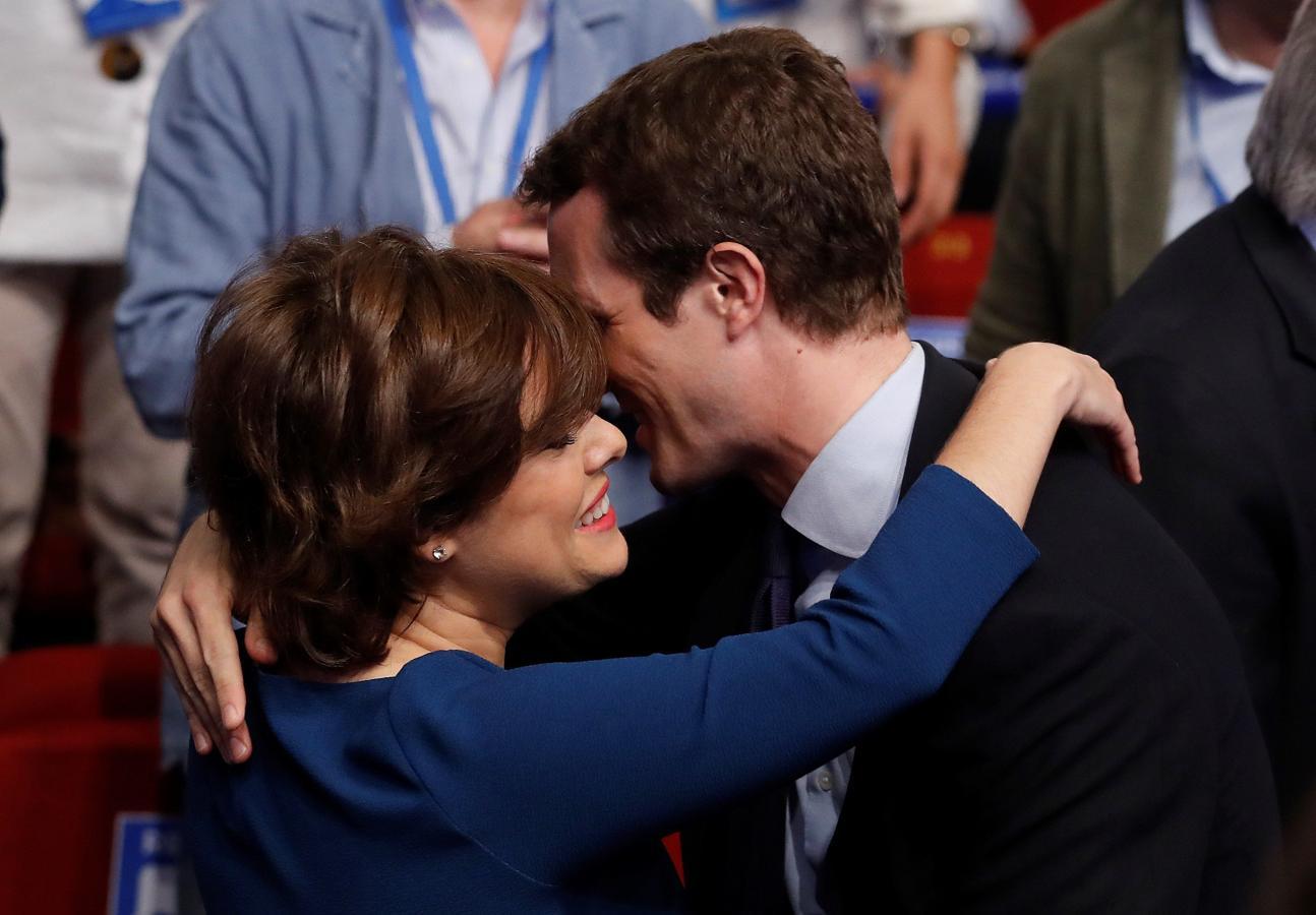 Este sábado se decidirá al próximo presidente del PP que relevará a Mariano Rajoy tras los dicursos de los candidatos: Soraya Sáenz de Santamaría y Pablo Casado