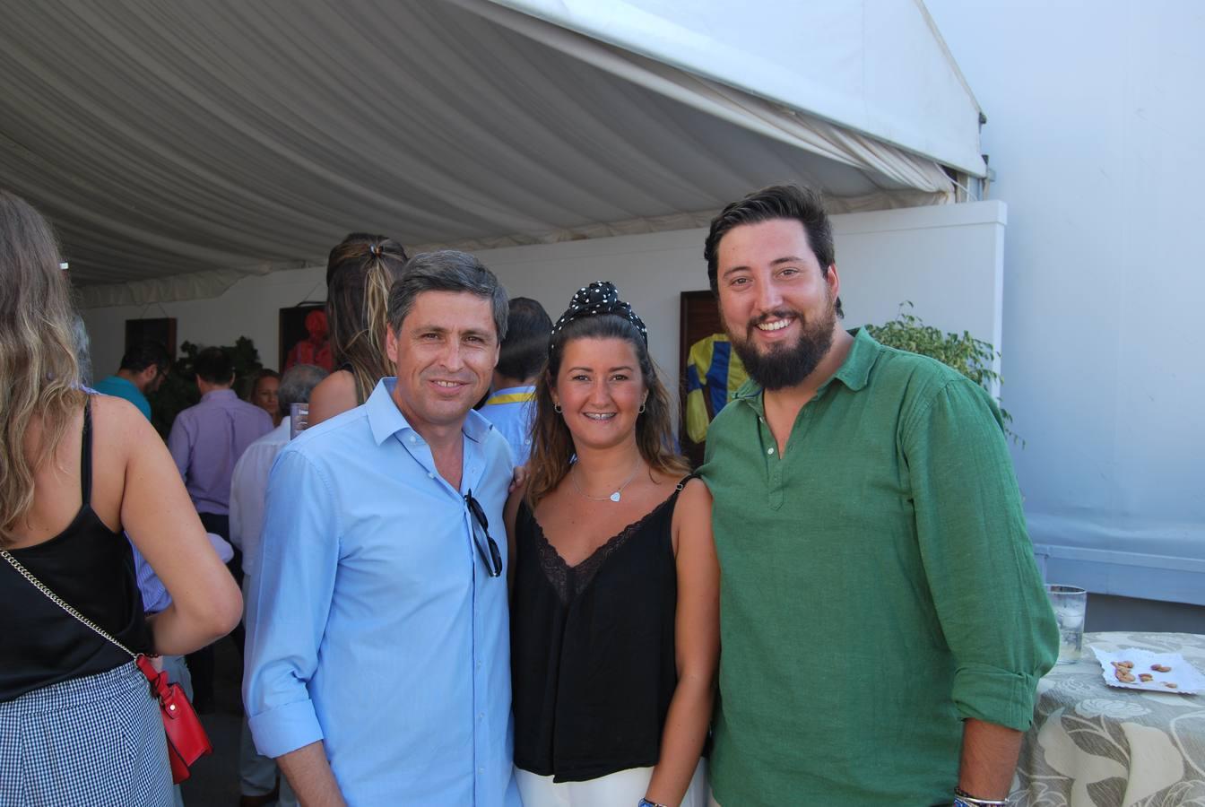 Pepe Rosiñol (Presidente de la sociedad civil catalana), Alba Gómez y Fernando Carrera