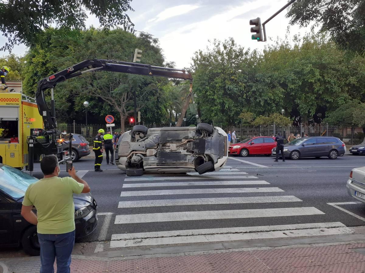 FOTOS: Aparatoso accidente en la Avenida