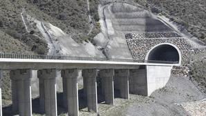 Las dos velocidades del AVE de Granada y Almería