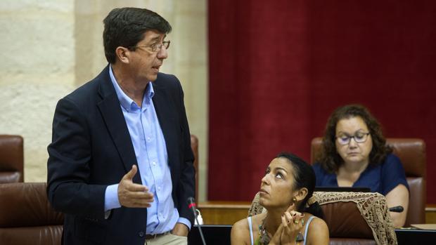 Juan Marín (Ciudadanos) durnate una intervención en el último Pleno del Parlamento andaluz