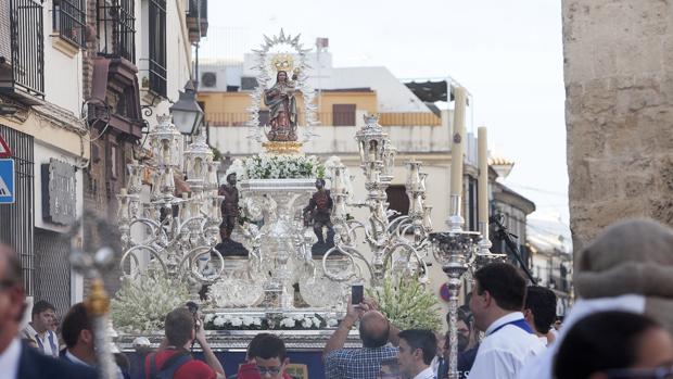 La Virgen de Villaviciosa, durante su procesión