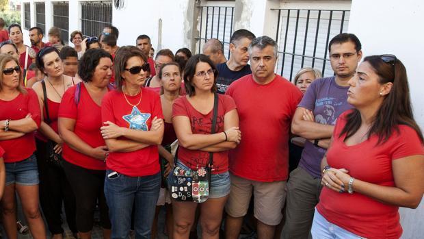 Concentración de padres de alumnos del colegio de Puerto Real