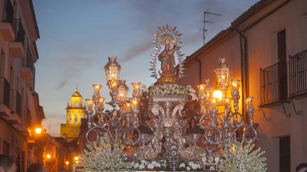 Virgen de Villaviciosa ayer en procesión