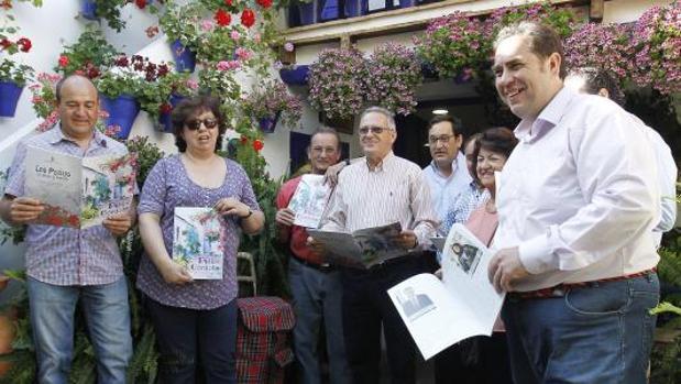 Junta directiva de la asociación Claveles y Gitanillas