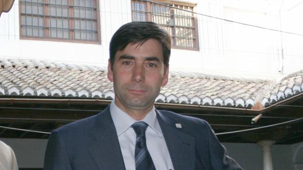 El cese del adjunto al Defensor del Pueblo se vuelve contra el juez Pasquau