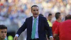José Luis Oltra: «La primera parte del equipo es para enmarcar»