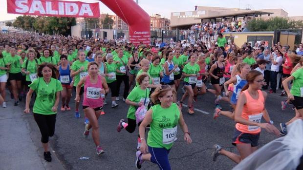 Salida de la XII edición de la Carrera de la Mujer Córdoba 2016