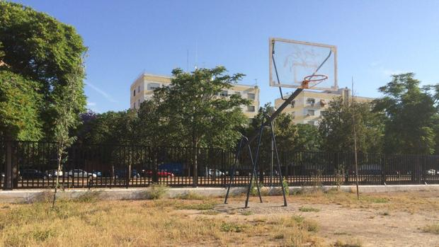 Situación del patio del colegio Fernán Pérez de Oliva, en Córdoba