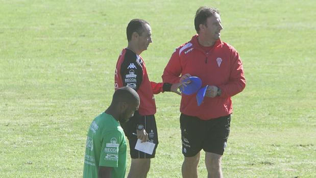 José Luis Oltra: «Se le da poco mérito a lo que hace el equipo»