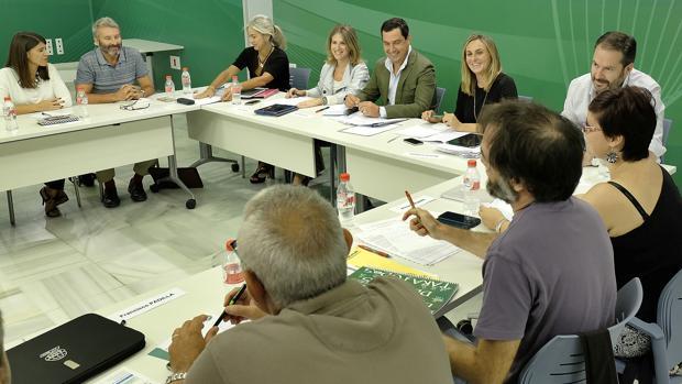 Encuentra de representantes del PP andaluz con los sindicatos educativos