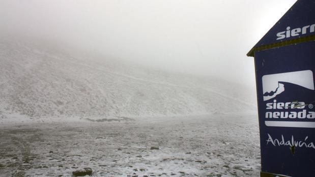 Primeros copos de nieve en Sierra Nevada a dos días de que acabe el verano
